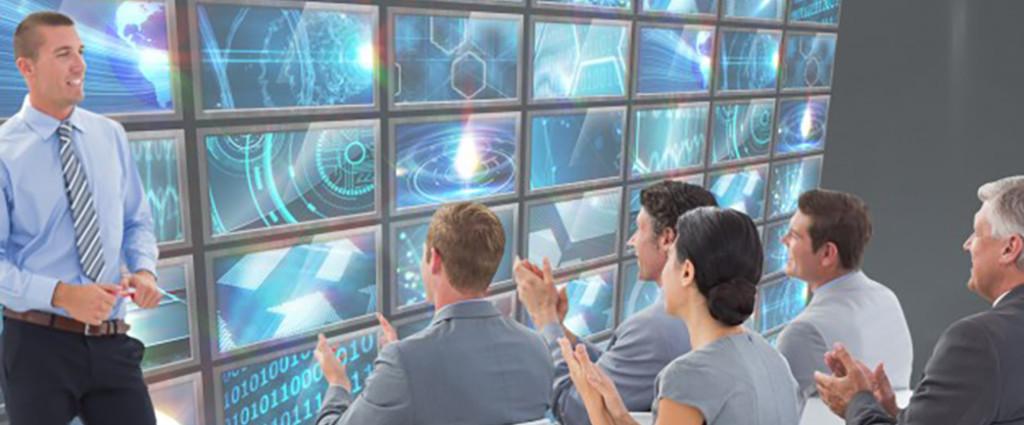 executives-woman-coding-staff-tech_1134-1172